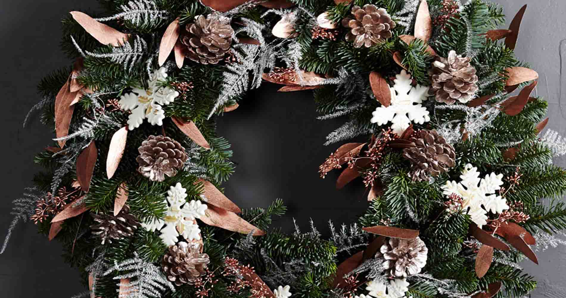 Larry Walshe Metalic Wreath